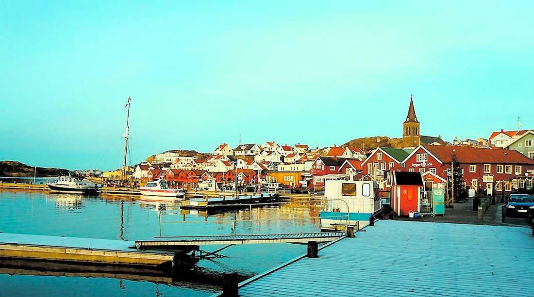 MÖRDANDE IDYLL Busslaster med turister kommer till Fjällbacka för att vandra i Camilla Läckbergs deckare.
