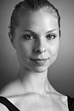 – Recensenten ska bedöma prestationen, inte vikten, säger Cornelia Medrek, 19, balettdansös på Kungliga Operan.