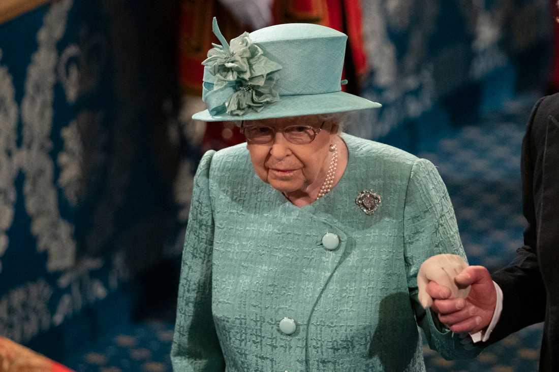 Drottning Elizabeth ska ha blivit besviken över prinsparets beslut.