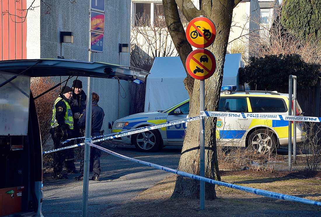 Vi måste ta itu med övergreppskulturen I fredags morse mördades en kvinna i Göteborg. Hennes ex-sambo sitter häktad för dådet. Sedan 2000 har över 200 kvinnor dödats av en man, pojkvän, eller exman.