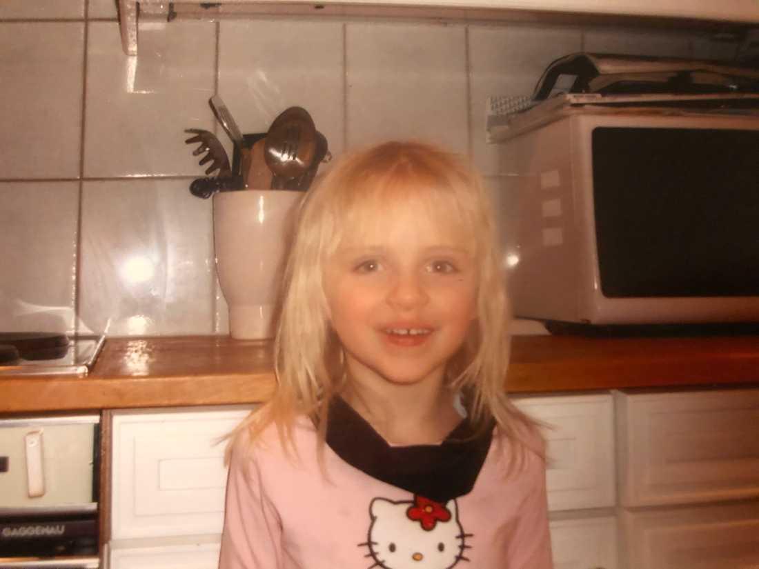 Bilden visar Emma Fredriksson som barn.