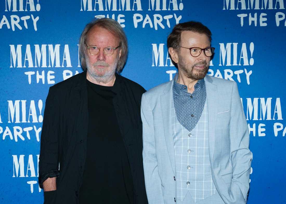 Benny Andersson och Björn Ulvaeus under galapremiären i London.