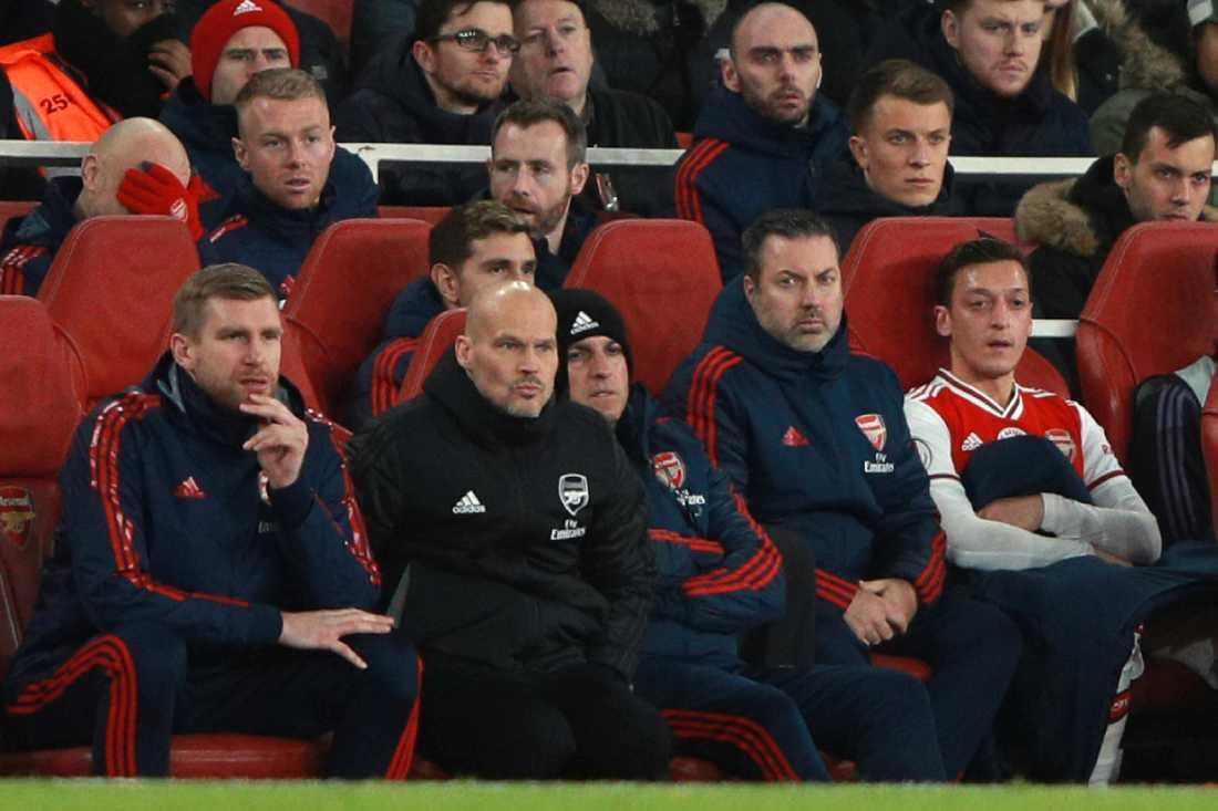 Mesut Özil blev utbytt av Fredrik Ljungberg i Arsenals match mot Manchester City, något som tysken inte uppskattade.