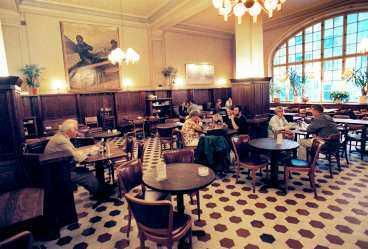Här på restaurang Pelikan på Södermalm smidde Mats Hulth och Harald Ullman sina planer mot Billström.