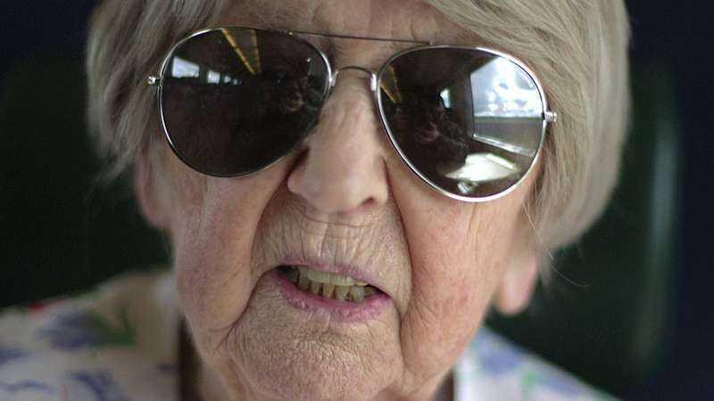 Dagny Carlsson inledde en ny karriär efter att ha fyllt 100 år med en populär blogg.