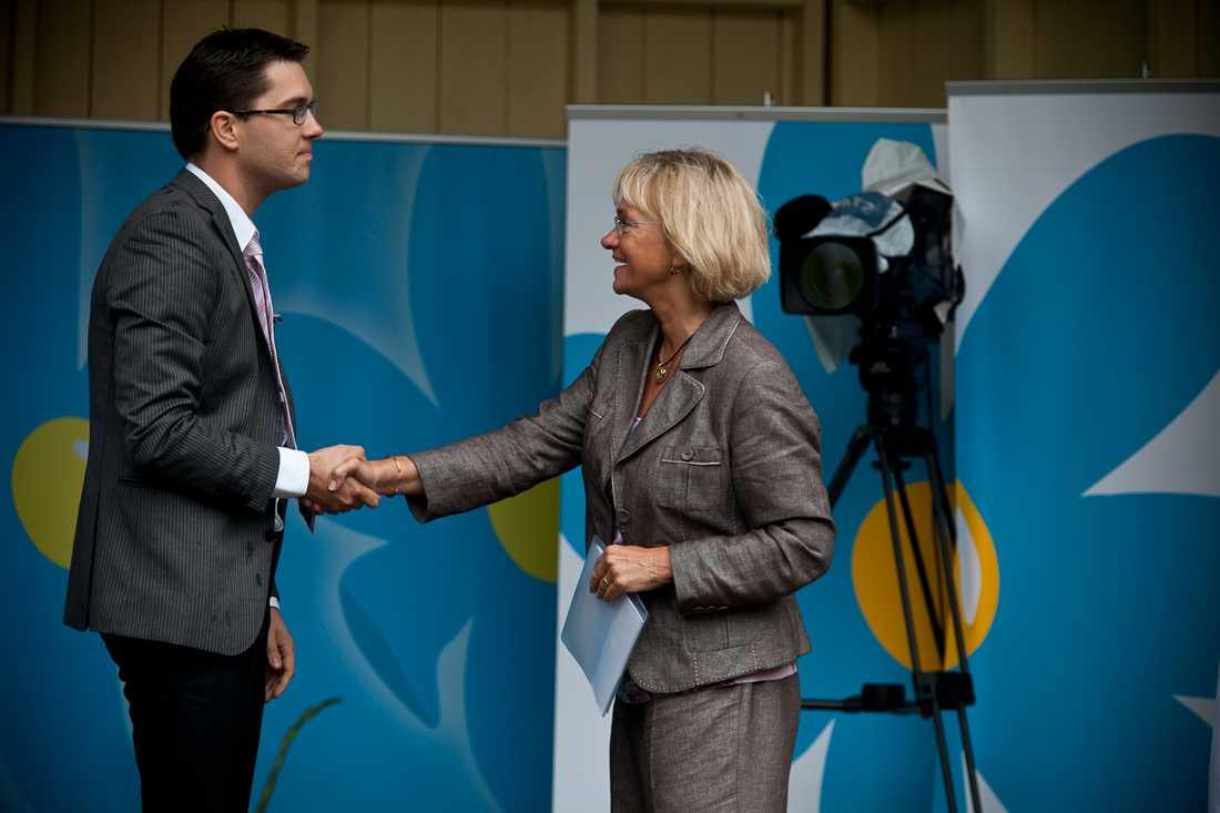Dansk Folkepartis dåvarande ledare Pia Kjaersgaard träffade SD:s Jimmie Åkesson inför valet 2010. I Danmark är klimatet annorlunda, menar debattören.
