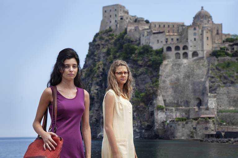 "Gaia Girace och Margherita Mazzucco i ""My brilliant friend: The story of a new name""."