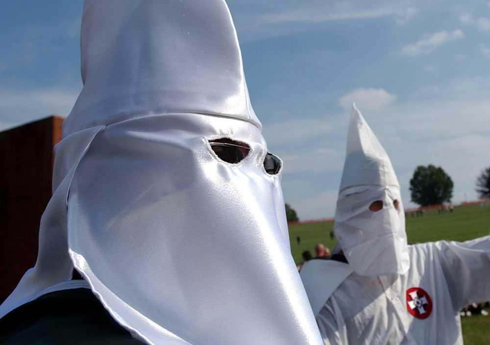Internt terrorproblem Christian Identity Movement där Ku Klux Klan ingår är ett av många hot mot presidentkandidaten Barack Obama.