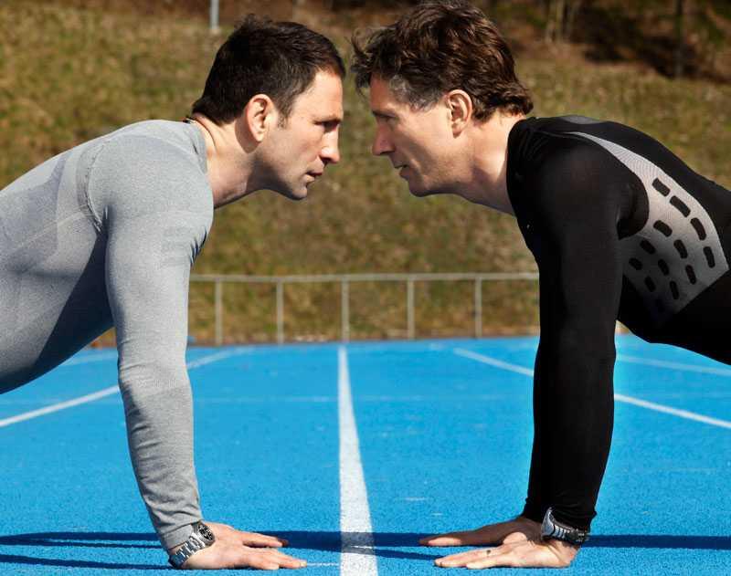Jonas Gustrin och Paolo Roberto är båda träningsexperter – och överens om att det inte krävs dyra gymkort för att bygga muskler.