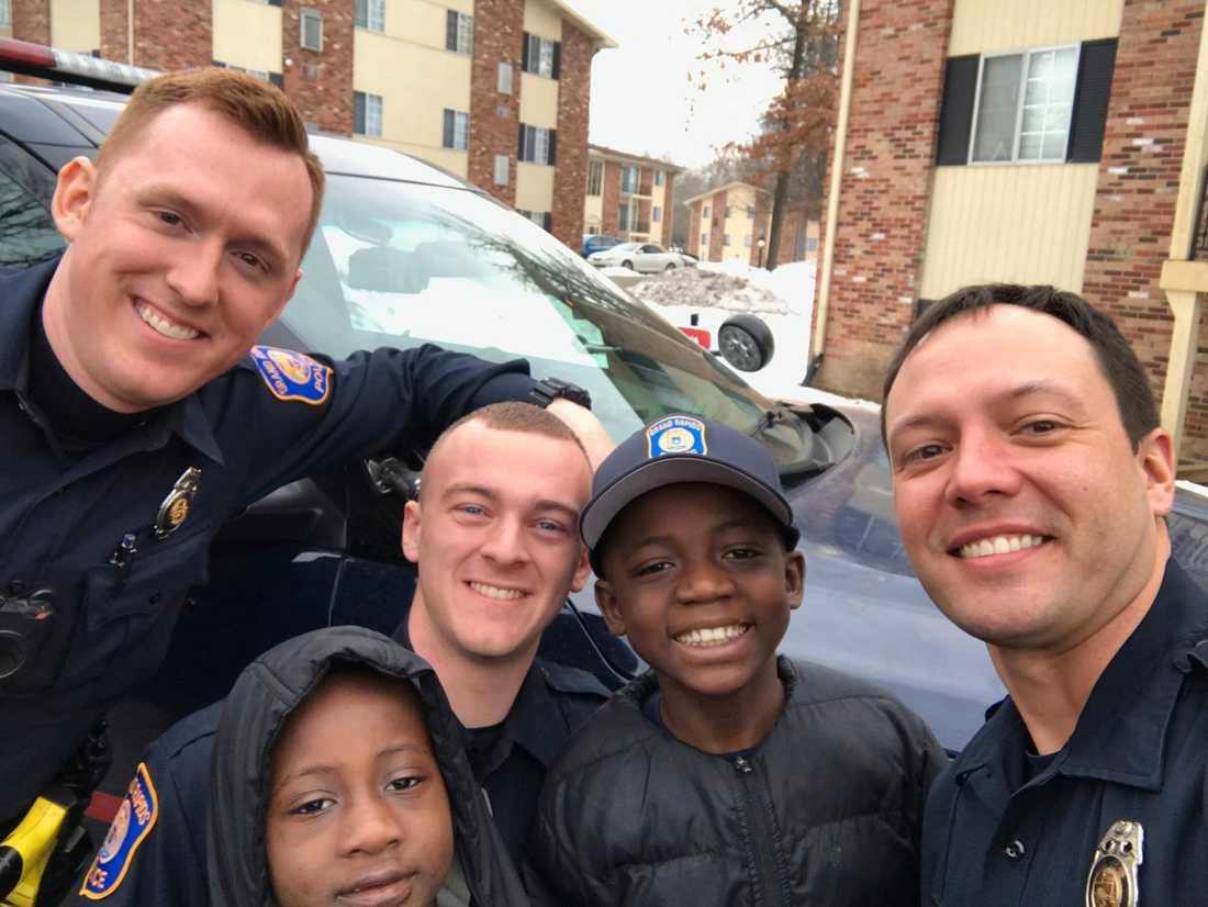 Poliserna vägrade se en nioåring vara ledsen på sin födelsedag.