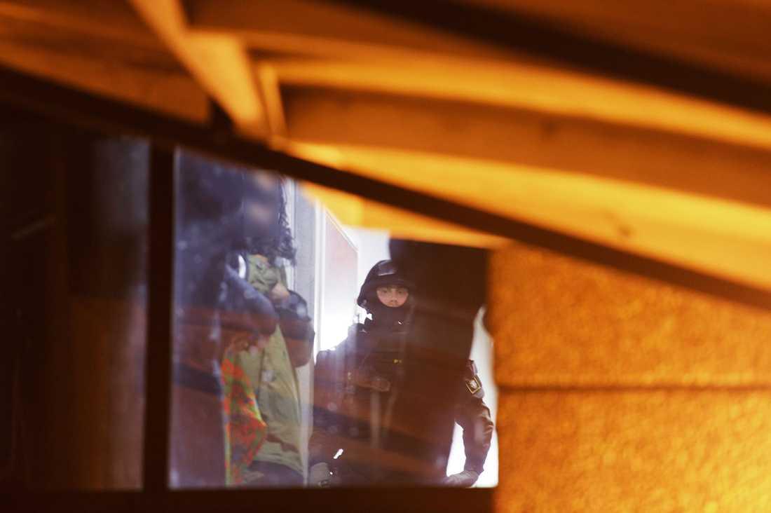 Polisen gjorde razzia i Norsborg utanför Stockholm.