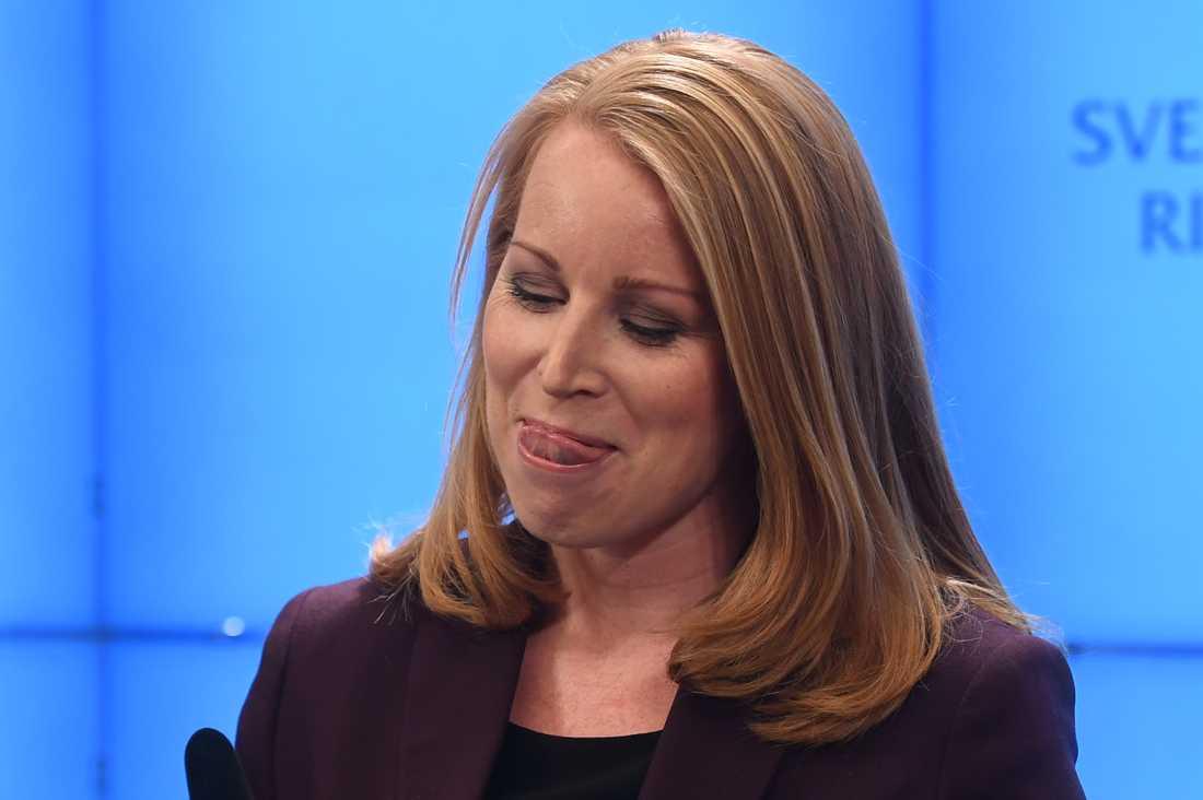 Annie Lööf (C) i riksdagshuset.