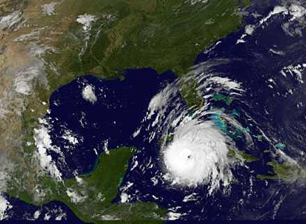 Satellitbild på orkanen Gustav på lördagen.