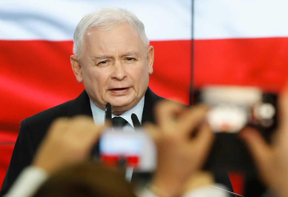 Partiledare Jaroslaw Kaczynski i samband med att PIS vann parlamentsvalet i Polen i oktober.