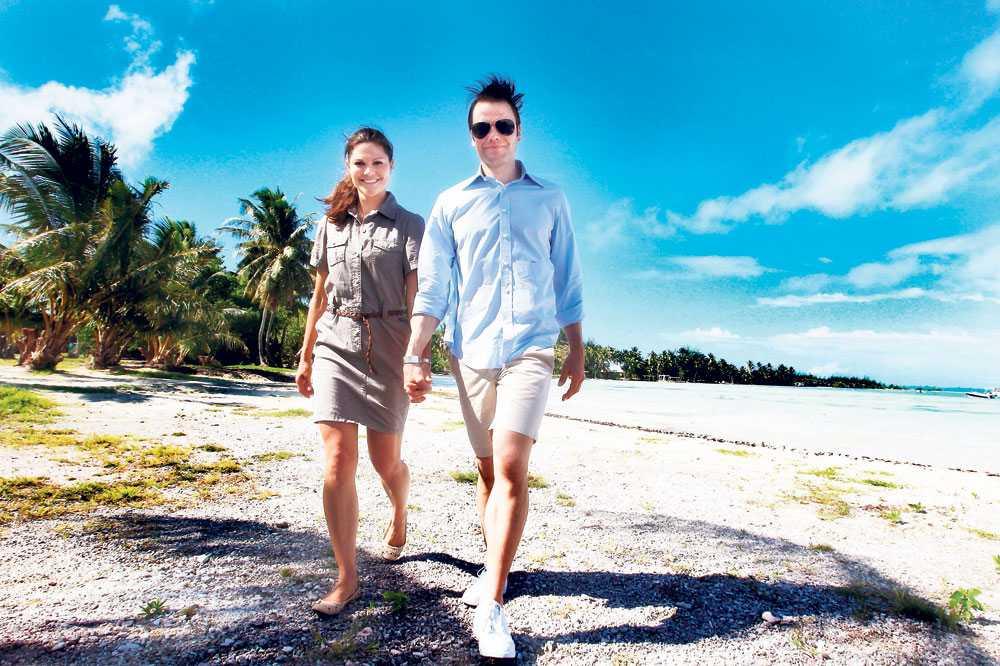 """Mot nya mål Victoria och Daniel är nöjda med sin vistelse på Bora Bora. """"Det har varit skönt att bara få vara tillsammans och slappna av. Och att om och om igen kunna gå igenom vad som egentligen hände och vad fick vi uppleva under bröllopet. Det har varit stort"""", säger Victoria."""