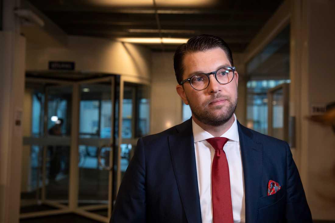 Jimmie Åkesson och hans SD ökar mest, med 2,6 procentenheter.