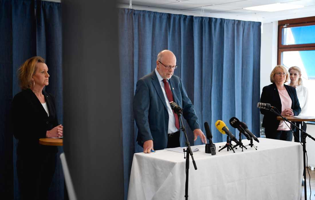 Södertäljes kommunordförande Boel Godner (S), Stockholms landshövding Sven-Erik Österberg, finansregionrådet Irene Svenonius (M) och Stockholms finansborgarråd Anna König Jerlmyr (M).