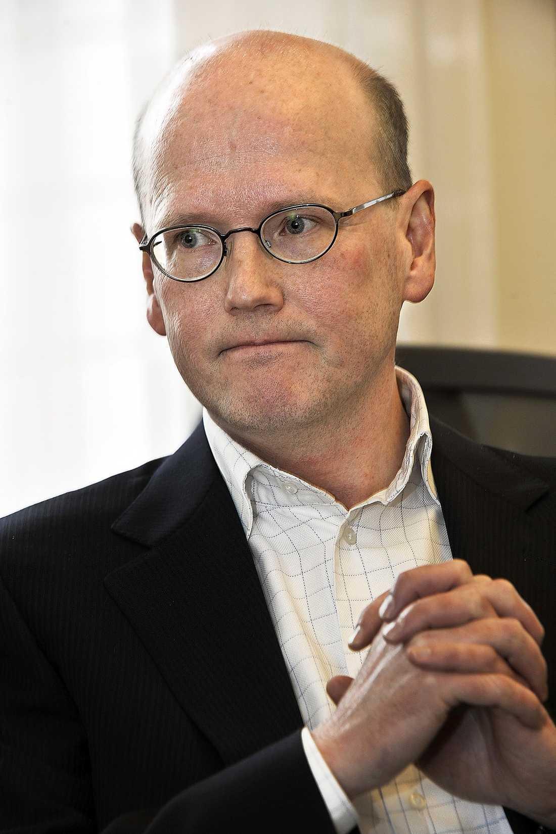 ANSES VARA ILLOJAL Thomas Östros kommentarer till SVT:s Rapport har fått många socialdemokrater att skicka in kritiska brev till partisekreteraren Carin Jämtin.