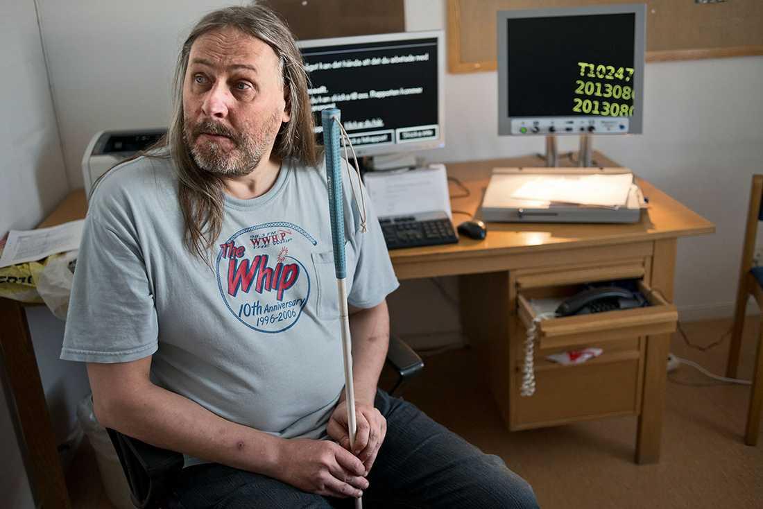 Synskadade Peter Bergman måste betala tv-licens för sin dator.