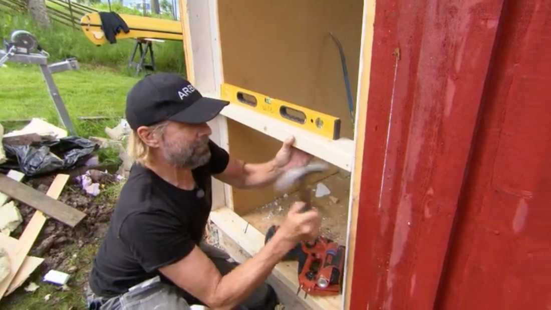 Peter Stormare är något av en perfektionist när han bygger.