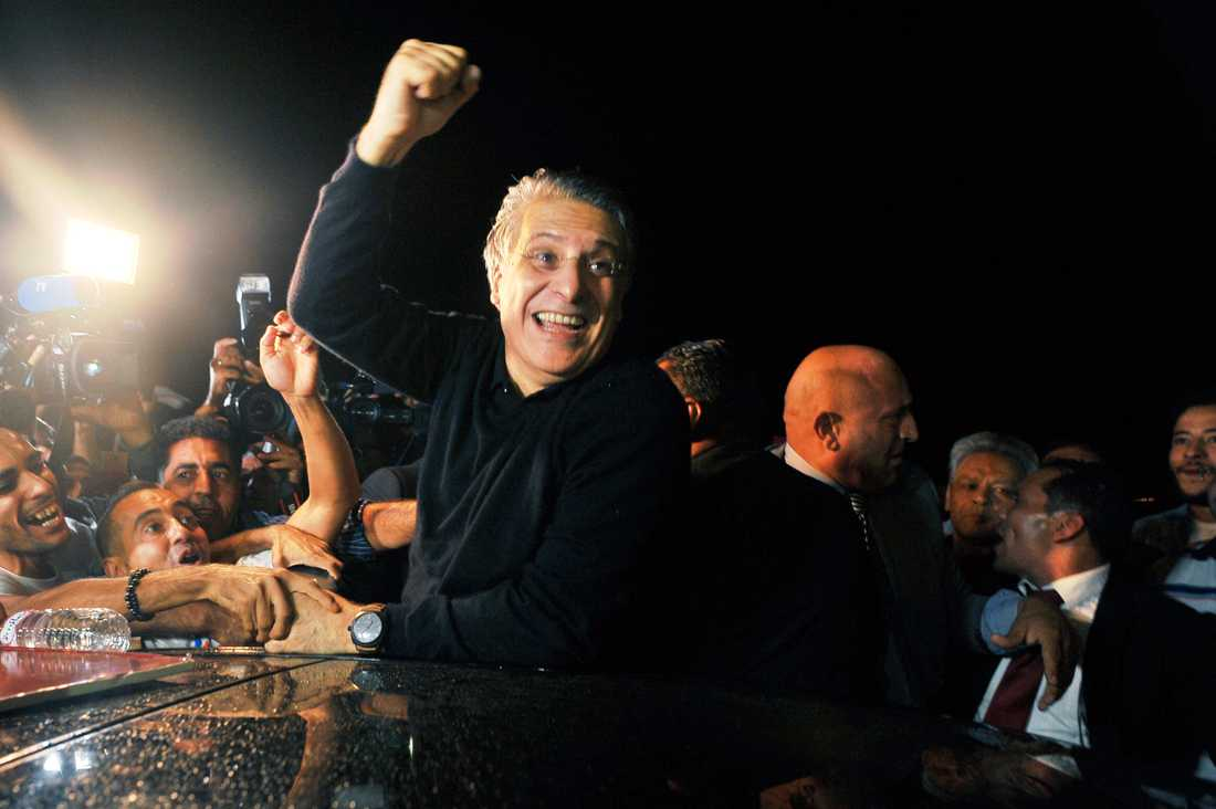Tunisiens presidentkandidat Nabil Karoui möttes av anhängare när han släpptes, bara dagar före presidentvalet på söndag.
