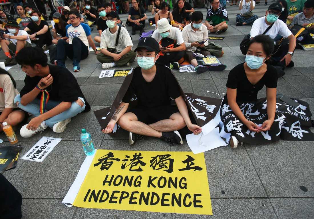 Efter att tidigare inte känt någon större samhörighet med Hongkong och dess invånare, har taiwaneserna nu reagerat. Protester till stöd för den förr självstyrande regionen hålls bland annat i Taipei tidigare i somras.