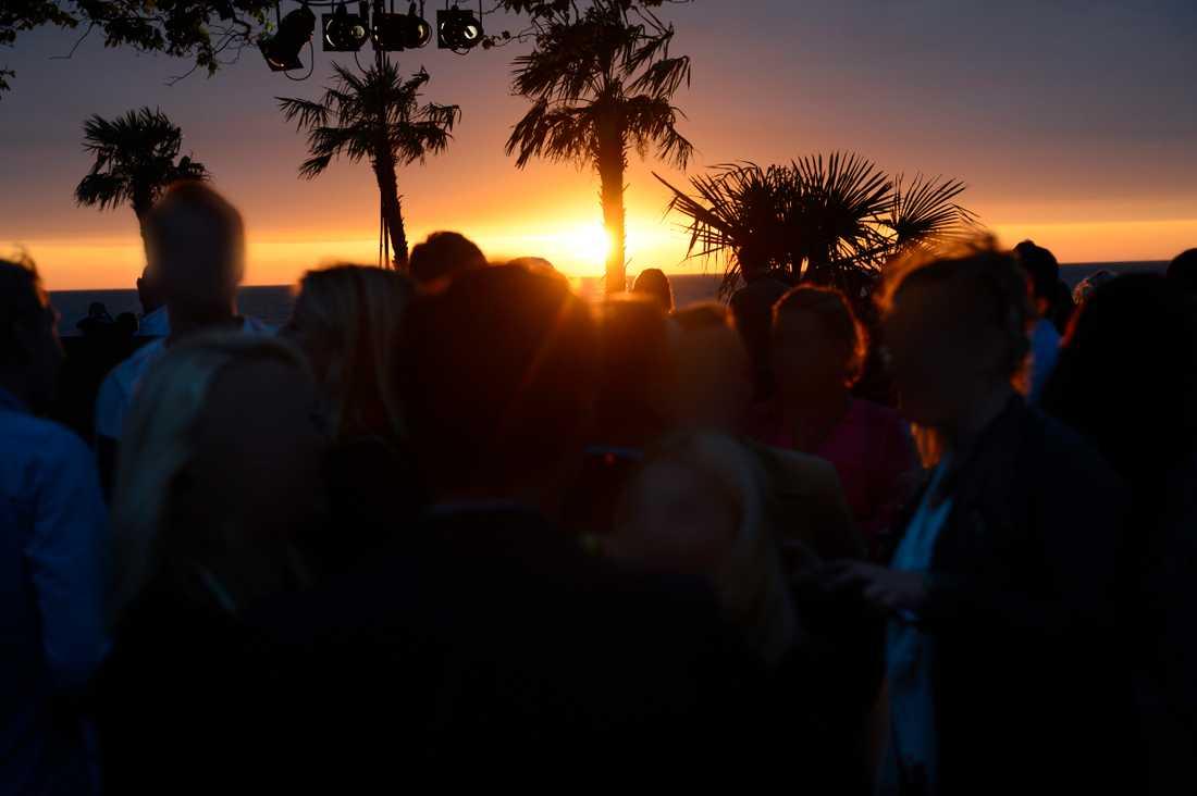 Arkivbild: Festande i Almedalen år 2012 (människorna på bilden har inget med artikeln att göra).