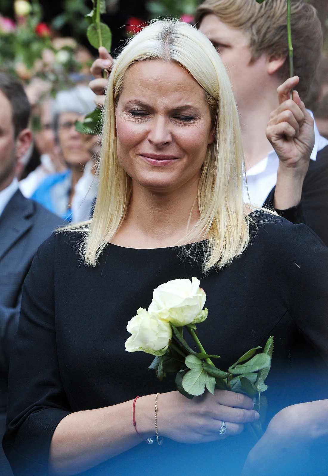 SORG Norska kronprinsessan Mette-Marit i tårar.