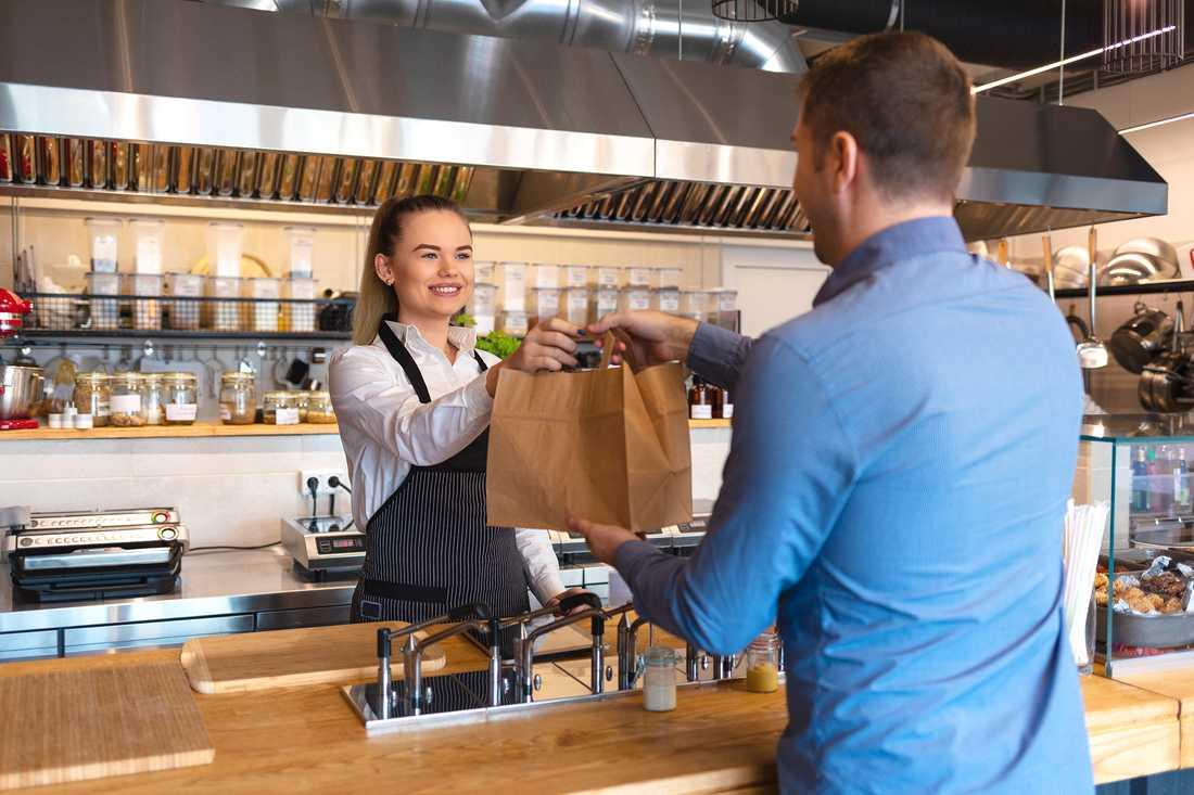 Alla kan bli vinnare med hjälp av de många mobiltjänster som hjälper dig att hitta mat med kort hållbarhet. Inte minst din plånbok och miljön.