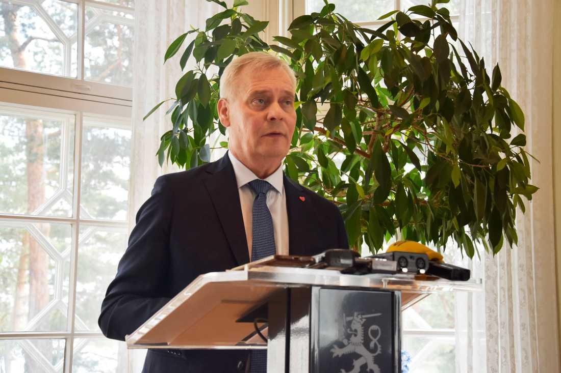 Finlands statsminister Antti Rinne tar emot inresta Bryssel-korrespondenter i sitt residens i Helsingfors.