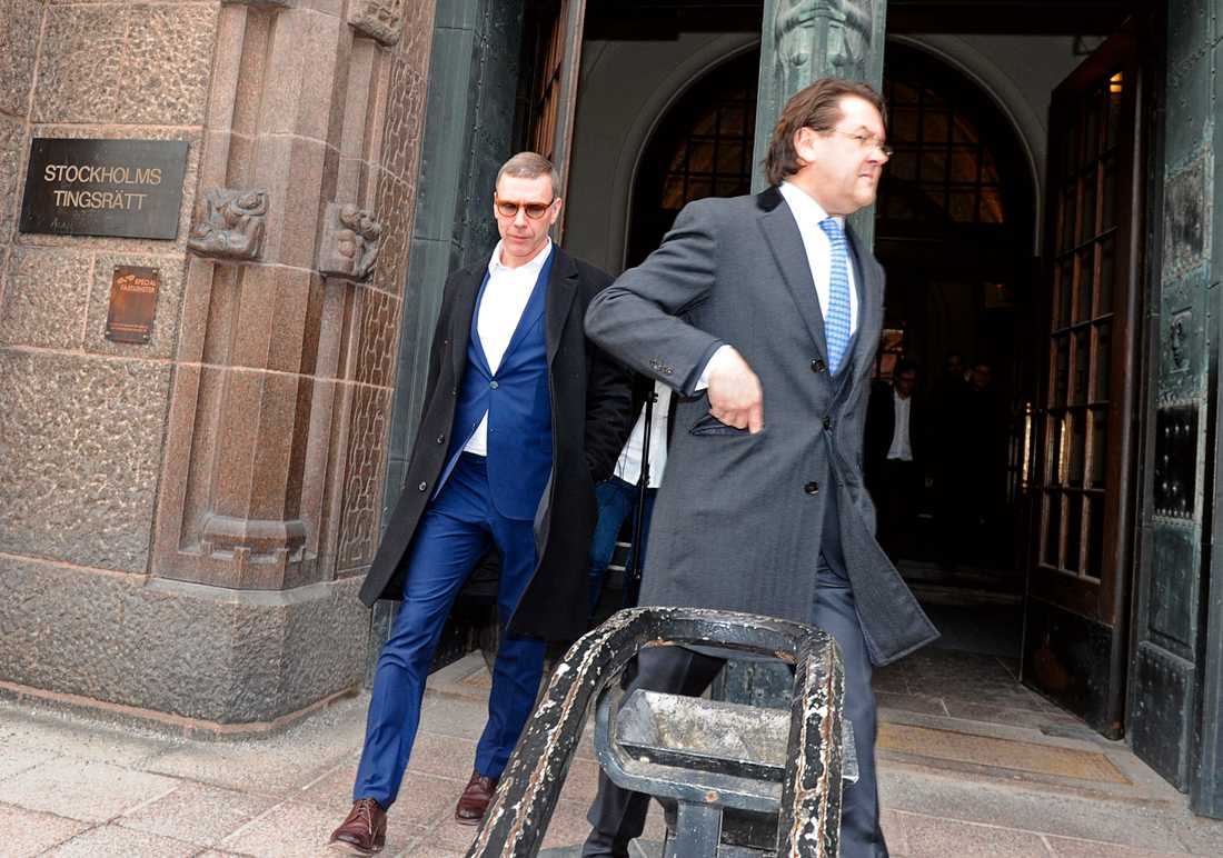 Rättegången mot Mikael Persbrandt vid Stockholms tingsrätt.