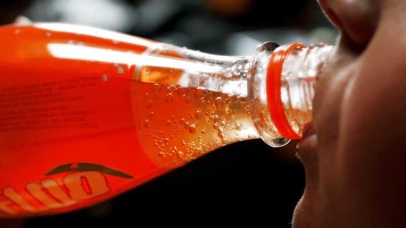 En läsk om dagen ökar risken att bli fet med 60 procent.