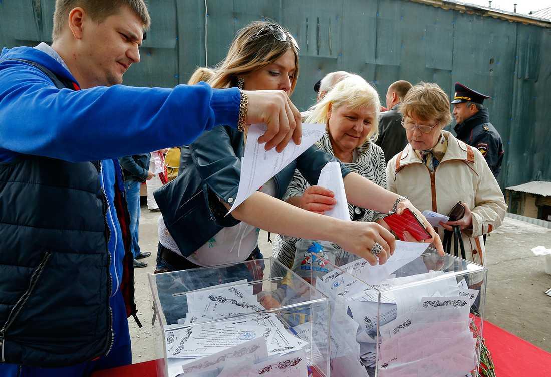 Folkomröstningens trovärdighet ifrågasätts från flera håll.