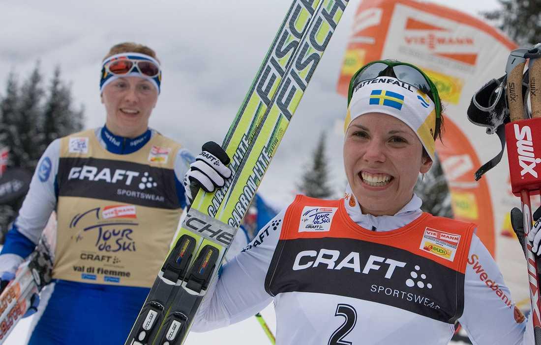 2008 vann Charlotte Kalla Tour de Ski före Virpi Kuitunen.