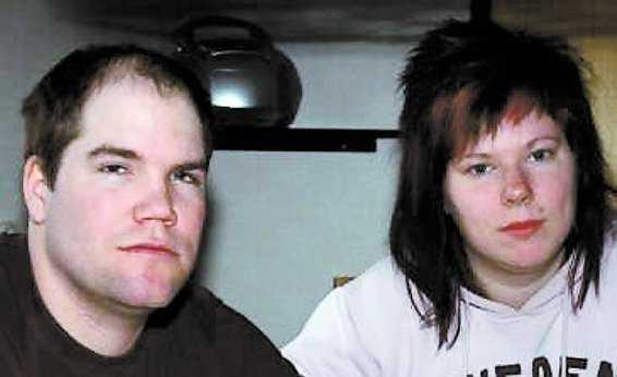 """Jonny Tongrings och Mona Gustafssons bebis dog precis innan förlossningen. Johnny blev sjukskriven. Men efter två veckor tyckte Försäkringskassan att han skulle åka och jobba eftersom """"sorg inte är en sjukdom""""."""