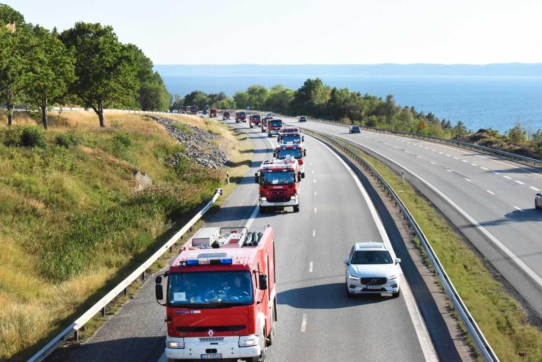 De polska brandbilarna kom till Sverige under lördagen.