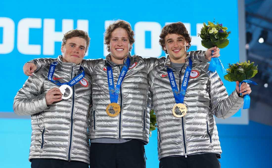 Gus Kenworthy, till vänster, på pallen under OS i Sotji.