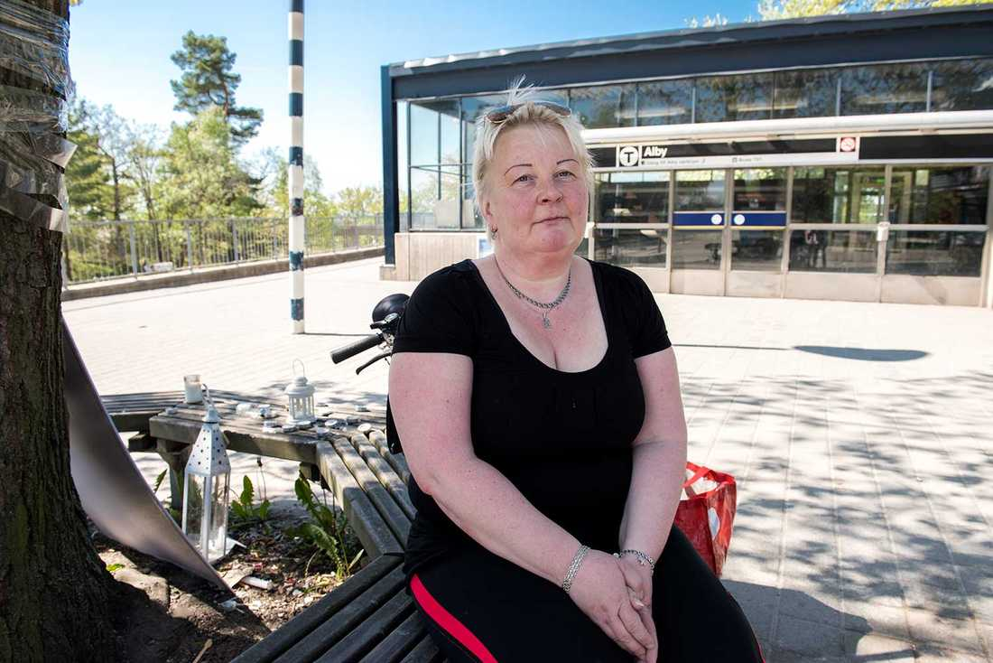 """""""De utomeuropeiska som röstar är sådana som har varit här i 30-40 år"""", säger valförrättaren Pia Turkulainen Vuori."""