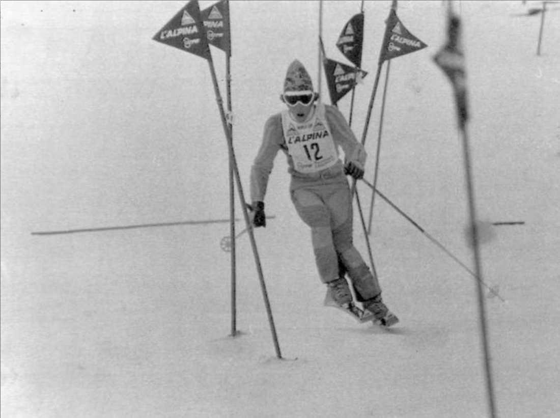 """18-år gammal och under sin första säsong i världscupen tog Stenmark första segern i """"svenskbacken"""" i Madonna."""