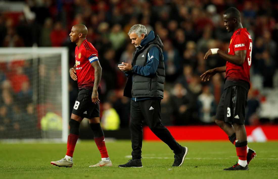 Deppigt uttåg för Mourinho och United.
