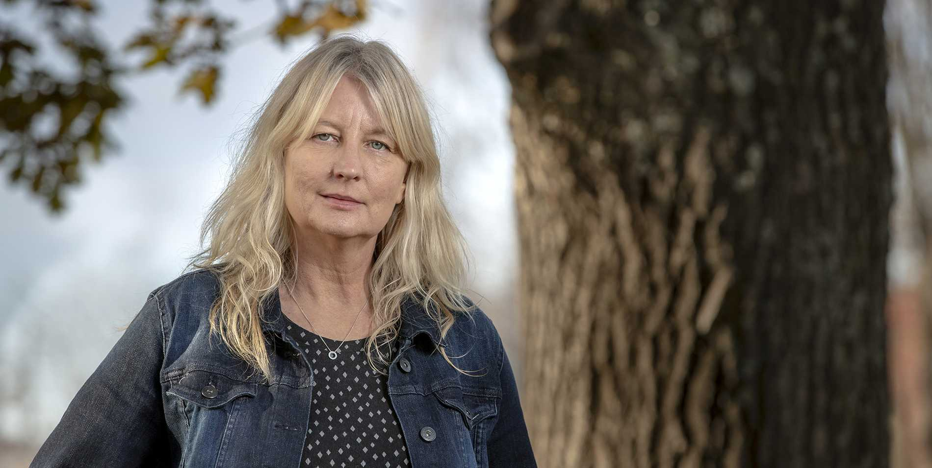 """Karin Smirnoff (f 1964) avslutar sin trilogi med romanen """"Sen for jag hem""""."""