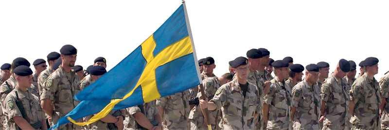 På plats Svenska soldater vid en ceremoni i provinsen Maza-e-Sharif, norr om Kabul.