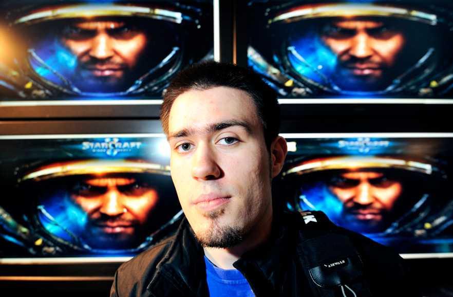 """TILLFÄLLIGT TILLBAKA Inför den stora """"Starcraft II""""-turneringen på Kulturhuset fick Spela en exklusiv intervju med svenska stjärnan Jonathan """"Jinro"""" Walsh."""