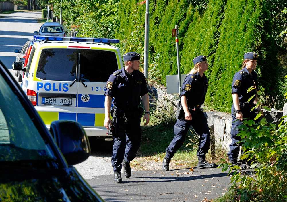 Polisinsatsen på Lidingö-gymnasium tidigare under torsdagen.