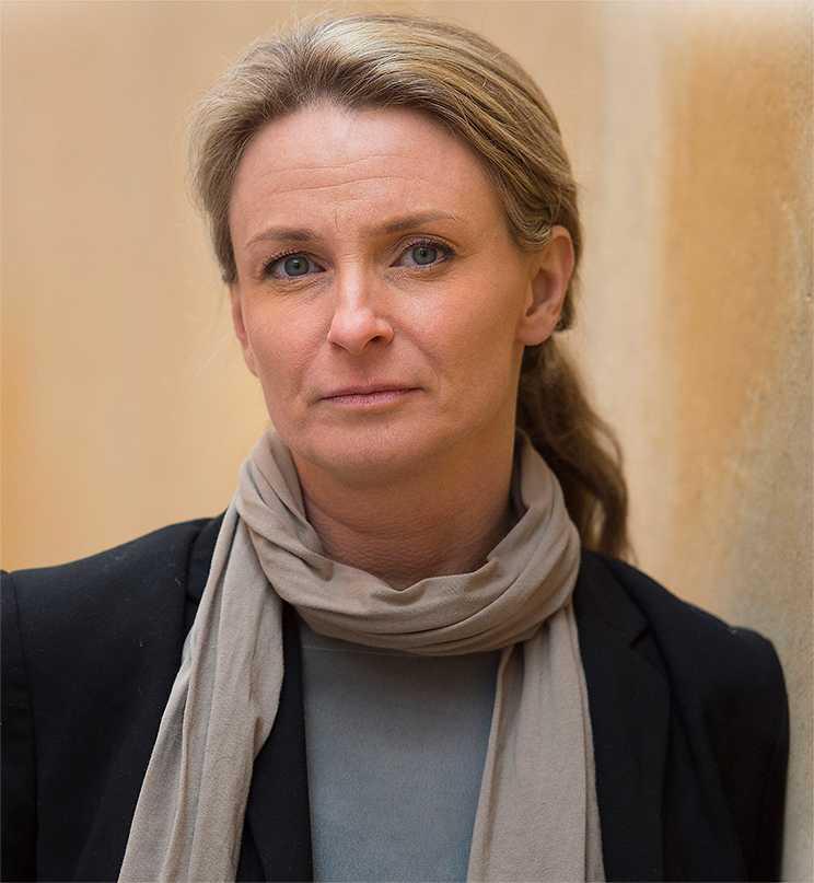 terror som vardag Anna Sundberg bytte en välbärgad villaidyll i Halmstad mot ett kringflackande liv med internationella terrorister. Hennes berättelse liknar en bön om nåd, skriver Malin Krutmeijer.