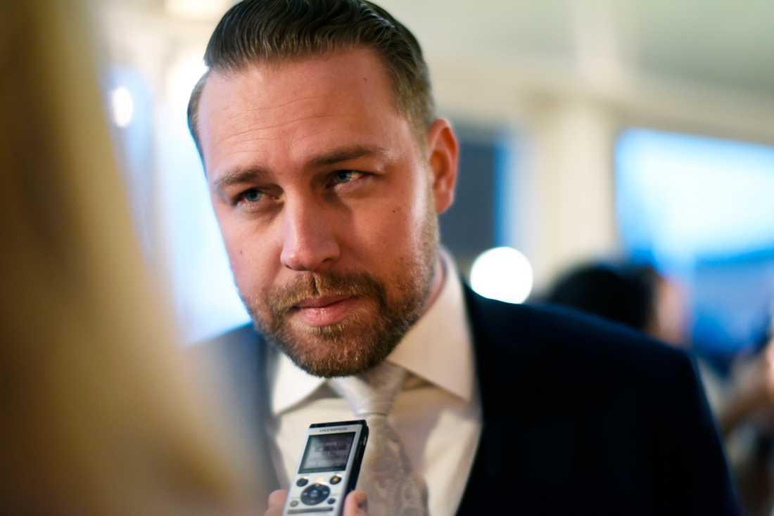 Mattias Karlsson (SD) har inspirerats av Donald Trumps debattstil. Det märktes tydligt inför USA-valet i veckan.