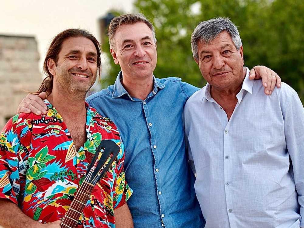 Tareq tillsammans med sin pappa Seif och bror Zafer.