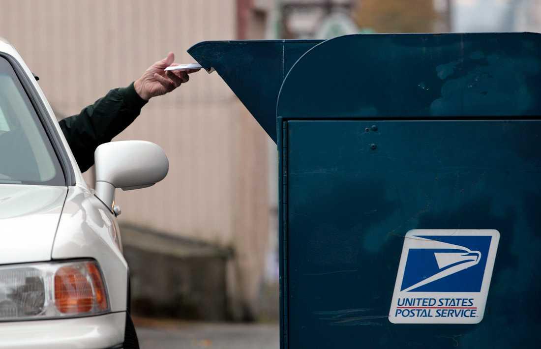 Självkörande postbilar körs på prov i USA. Dock med en extra förare till en början. Arkivbild.