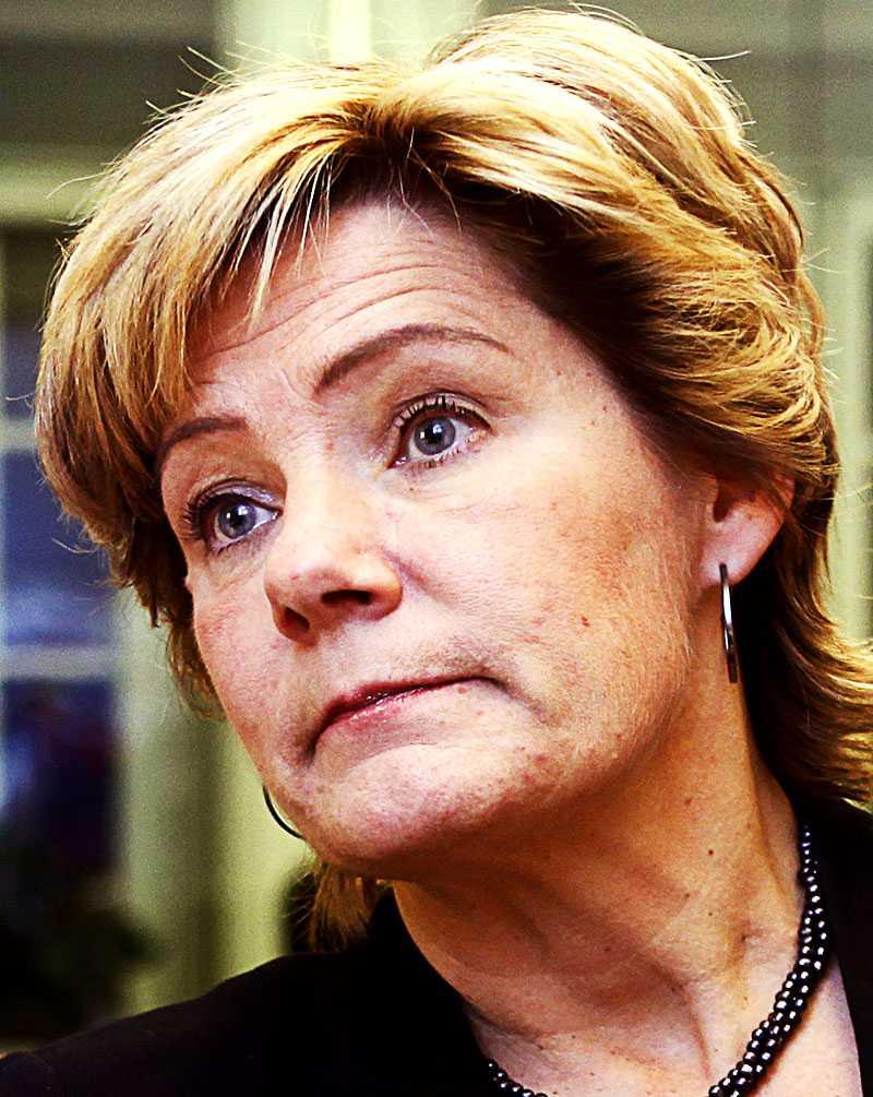 Äldre- och folkhälsominister Maria Larsson (KD).