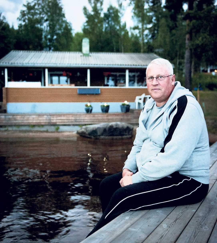 """""""DE VAR HÄR OCH FOTADE"""" Jan Fagerström, 63, fick påhälsning av produktionsbolaget Yellow Bird, som var intresserade av hans stuga i Hälsingland."""